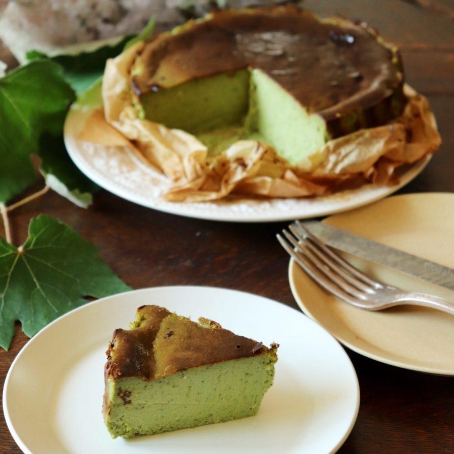 抹茶のバスク風チーズケーキ